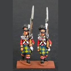 Highlands compañía de flanco marchando con kilt