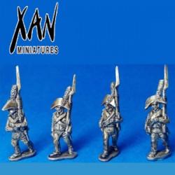Fusilieros españoles con bicornio marchando 1